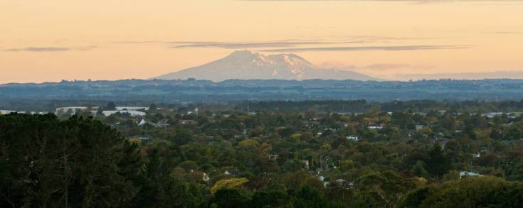 SP_ImageCrossFade/views-from-summerhill-over-the-city-credit-www.manawatunz.co_.nz_.jpg
